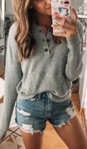 31 Casual and Cute Summer Outfits - Classic Style