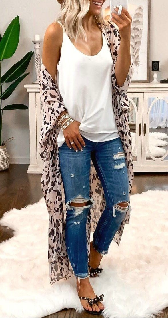 How to Dress Yourself To Attract A Man- Fashion Help