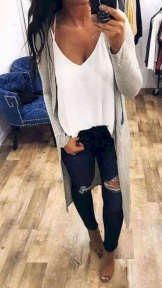 I love this Long cardigan Outfits