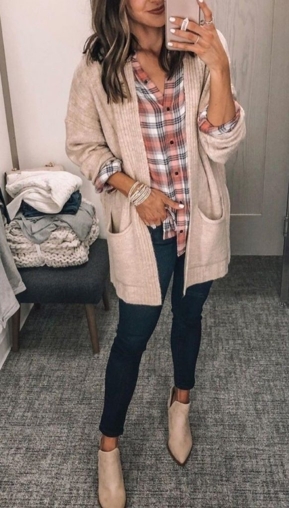 Check Out Latest and stylish Long cardigan Women Winter Outfits